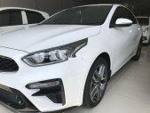 Cần bán Kia Cerato đời 2019, màu trắng giá 650 triệu tại Tp.HCM