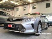 Cần bán Toyota Camry 2.5G đời 2015, màu bạc giá 910 triệu tại Tp.HCM