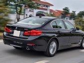 Giảm giá tiền mặt cực lớn - Khi mua BMW 5 Series 520i sản xuất năm 2018, màu đen, nhập khẩu nguyên chiếc giá 2 tỷ 99 tr tại Tp.HCM