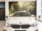 Cần bán nhanh chiếc xe BMW 5 Series 520i năm sản xuất 2018, màu trắng, giá cạnh tranh giá 2 tỷ 99 tr tại Tp.HCM