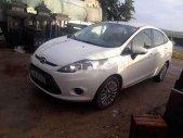 Cần bán gấp Ford Fiesta năm sản xuất 2012, màu trắng, nhập khẩu nguyên chiếc, giá tốt giá 265 triệu tại Đà Nẵng