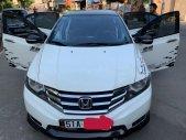 Cần bán lại xe Honda City AT sản xuất năm 2013, màu trắng giá 335 triệu tại Bình Dương