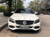 Cần bán lại xe Mercedes C200 năm 2015, màu trắng, giá tốt giá 985 triệu tại Hà Nội