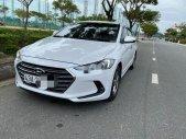Cần bán Hyundai Elantra MT sản xuất 2017, màu trắng số sàn giá 445 triệu tại Đà Nẵng