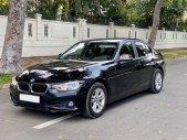 Cần bán xe BMW 3 Series 320i đời 2017, màu đen giá 1 tỷ 39 tr tại Tp.HCM