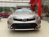 Cần bán lại xe Toyota Camry đời 2017, số tự động, giá chỉ 825 triệu giá 825 triệu tại Hà Nội