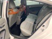 Cần bán lại xe Kia K3 2.0 AT đời 2015, màu trắng giá 520 triệu tại Hải Phòng