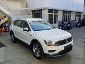 Bán xe Volkswagen Tiguan topline xe Đức nhập khẩu, trả góp 90% giá trị xe trong 7 năm giá 1 tỷ 799 tr tại Quảng Ninh