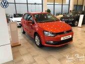 Bán ô tô Volkswagen Polo E 2018, màu đỏ, xe nhập, khuyến mãi 100% phí trước bạ giá 695 triệu tại Tp.HCM