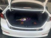 Bán Hyundai Elantra đời 2017, màu trắng, số sàn  giá 410 triệu tại Đà Nẵng