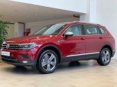 VOlkswagen tiguan luxury màu đỏ đô, tặng bảo hiểm thân vỏ, trả góp 90% giá trị xe giá 1 tỷ 849 tr tại Quảng Ninh