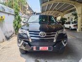 Cần bán lại xe Toyota Fortuner 2.4G AT đời 2020, màu Đen Lướt 7.600km chất như mới -giá lại rẻ giá 1 tỷ 90 tr tại Tp.HCM