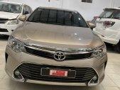 Bán Toyota Camry 2.5Q 2016, màu vàng, Biển SG Lướt đẹp 43.000km - Giá fix mạnh giá 940 triệu tại Tp.HCM