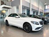 Cần bán Mercedes C200 Exclusive năm 2021, màu trắng giá 1 tỷ 670 tr tại Hà Nội