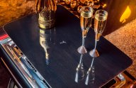 /vat-pham-o-to/gia-mot-chiec-sedan-hieu-bmw-khong-dat-bang-bo-uong-ruou-champagne-cua-rolls-royce-398