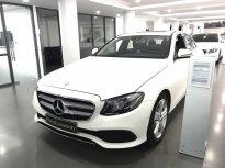 Bán xe Mercedes E250 2017 màu trắng/đen đã qua sử dụng giá 2 tỷ 130 tr tại Hà Nội