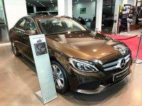 Bán Mercedes C200 2017 màu nâu chạy lướt giá rẻ giá 1 tỷ 300 tr tại Hà Nội