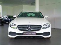 Bán Mercedes-Benz E250 Trắng 2018, cũ chính hãng tốt nhất, 9999 km giá 2 tỷ 179 tr tại Tp.HCM