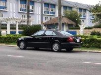 Bán Mercedes E200 năm sản xuất 2004, màu đen, nhập khẩu giá 285 triệu tại Hà Tĩnh