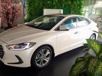Bán xe Hyundai Elantra 1.6AT đời 2018, màu trắng, 623 triệu giá 623 triệu tại Thái Bình