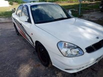 Cần bán gấp Daewoo Nubira 2002, màu trắng như mới giá 73 triệu tại TT - Huế