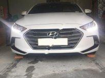 Cần bán gấp Hyundai Elantra 2018, màu trắng, nhập khẩu, giá tốt giá 648 triệu tại Hải Phòng