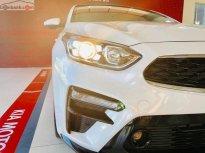 Cần bán Kia Cerato 1.6 AT sản xuất 2019, màu trắng giá 589 triệu tại TT - Huế