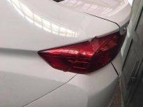 Bán Honda City màu trắng, đời 2016, xe số sàn, điều hòa, đài AM/FM, radio, kính điện giá 420 triệu tại Tp.HCM