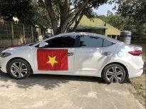 Cần bán lại xe Hyundai Elantra 2.0 AT đời 2016, màu trắng chính chủ giá 630 triệu tại Nghệ An