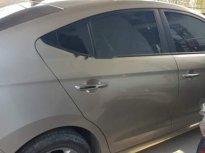 Cần bán gấp Hyundai Elantra 2017, màu bạc, giá tốt giá 640 triệu tại Nam Định