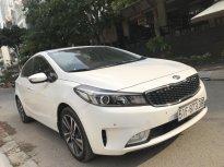 Bán xe Kia Cerato 1.6L Dulex full options năm sản xuất 2017, màu trắng liên hệ anh Dương SĐT 0938811266 giá 585 triệu tại Tp.HCM
