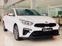Cần bán xe Kia Cerato năm 2019, màu trắng, nhập khẩu nguyên chiếc giá 548 triệu tại Quảng Ngãi