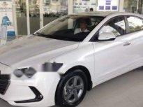 Bán lại Hyundai Elantra năm sản xuất 2017, màu trắng, xe gia đình giá 535 triệu tại Đắk Nông
