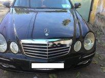 Cần bán lại xe Mercedes E200 sản xuất 2008, màu đen giá cạnh tranh giá 420 triệu tại Hà Nội