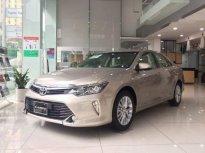 Bán ô tô Toyota Camry đời 2019, màu vàng cát. Hỗ trợ trả góp 90% giá 360 triệu tại Hà Nội