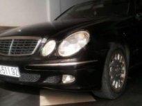 Cần bán gấp Mercedes E200 năm 2006, màu đen, xe nhập số tự động giá 333 triệu tại Đồng Nai
