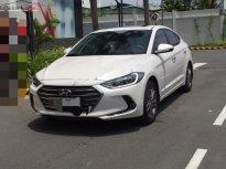 Bán xe Hyundai Elantra 1.6 AT sản xuất 2016, màu trắng giá 575 triệu tại Khánh Hòa