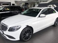 Bán Mercedes C200 Exclusive sản xuất 2019, màu trắng giá 1 tỷ 709 tr tại Hà Nội
