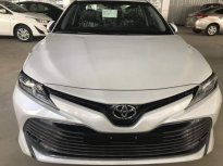 Bán Toyota Camry 2.0E đời 2019, màu trắng, nhập khẩu   giá 1 tỷ tại Hà Nội