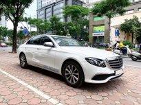 Cần bán lại xe Mercedes E200 đời 2019, màu trắng giá 1 tỷ 999 tr tại Hà Nội