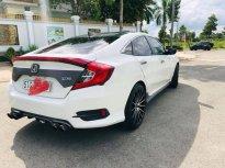 Cần bán gấp Honda Civic 2017, màu trắng giá 820 triệu tại Bình Dương
