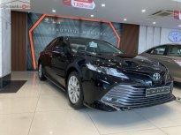 Bán xe Toyota Camry 2.0E sản xuất năm 2019, màu đen, nhập khẩu nguyên chiếc giá 1 tỷ 29 tr tại Hà Nội