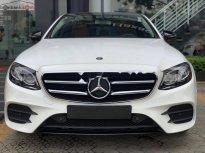 Bán Mercedes E300 AMG 2019, màu trắng giá 2 tỷ 833 tr tại Tp.HCM