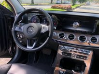 Cần bán lại xe Mercedes-Benz E class E200 model 2019 giá 1 tỷ 830 tr tại Tp.HCM