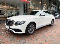 Bán Mercedes E200 2020 màu trắng biển đẹp xe chính hãng đã qua sử dụng giá 1 tỷ 920 tr tại Hà Nội