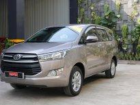 Cần bán lại xe Toyota Innova 2.0E sản xuất 2018, màu bạc, giá 710tr giá 710 triệu tại Tp.HCM