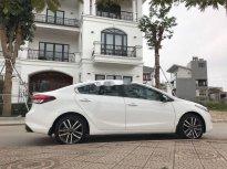 Cần bán gấp Kia Cerato sản xuất năm 2016, màu trắng chính chủ giá 550 triệu tại Thái Nguyên