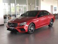 Bán Mercedes-Benz E300 2020, màu đỏ duy nhất chính hãng giá 2 tỷ 640 tr tại Tp.HCM