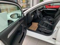 Volkswagen Passat Trả góp tặng 100% phí trước bạ giá 1 tỷ 380 tr tại Quảng Ninh
