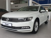Volkswagen Passat High, màu trắng, tặng quà khủng giá 1 tỷ 380 tr tại Quảng Ninh